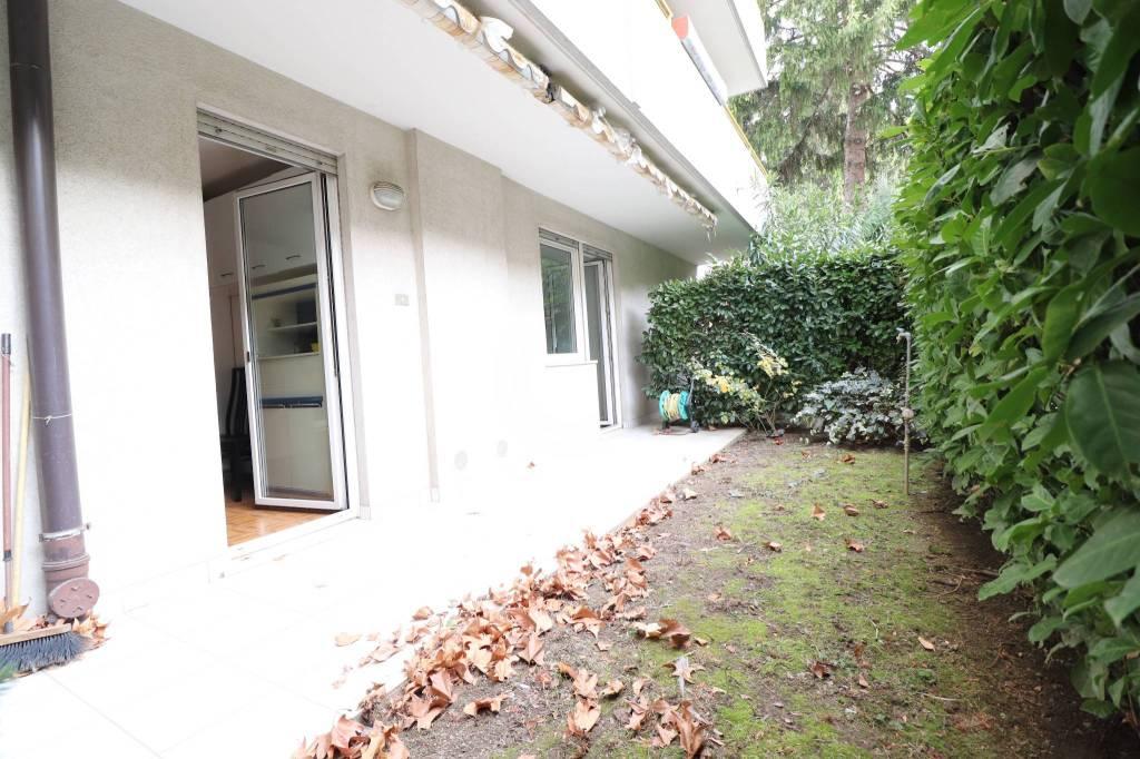 Appartamento in buone condizioni in vendita Rif. 9180322