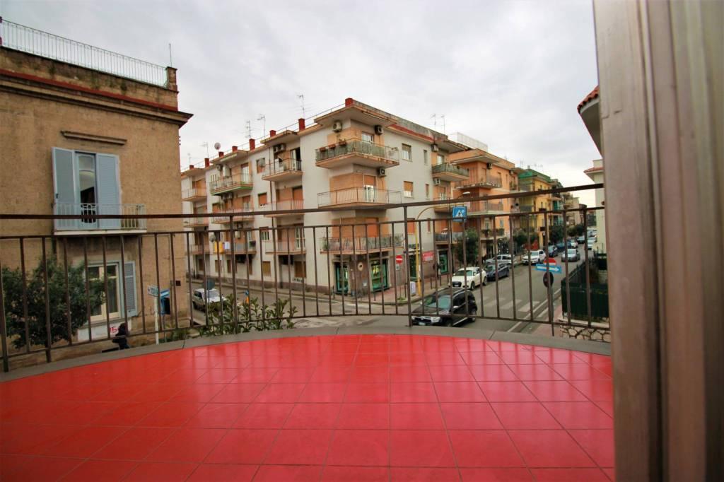 Appartamento in buone condizioni in affitto Rif. 9179207