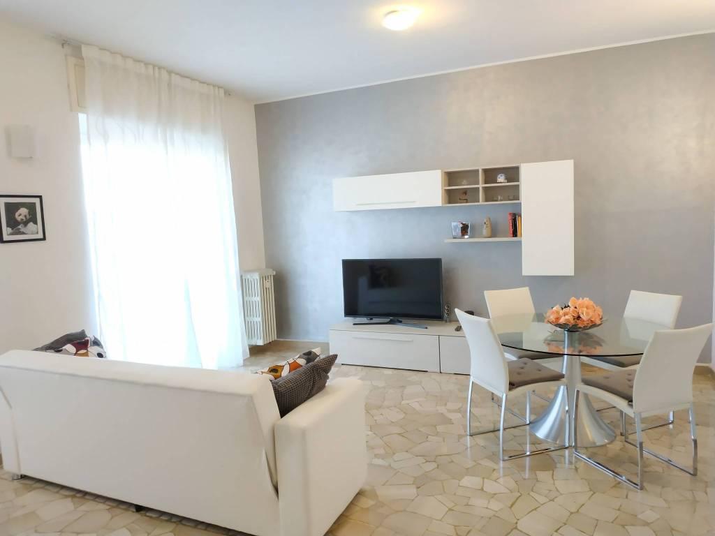 Appartamento in ottime condizioni in vendita Rif. 8832751