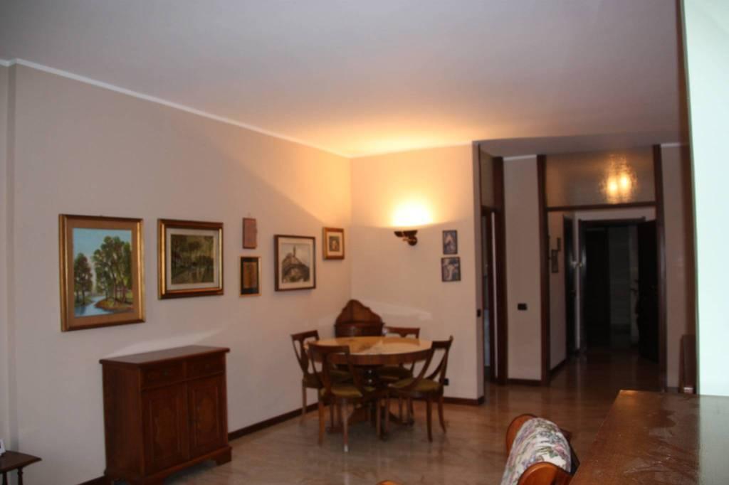 Appartamento in buone condizioni parzialmente arredato in vendita Rif. 9176749