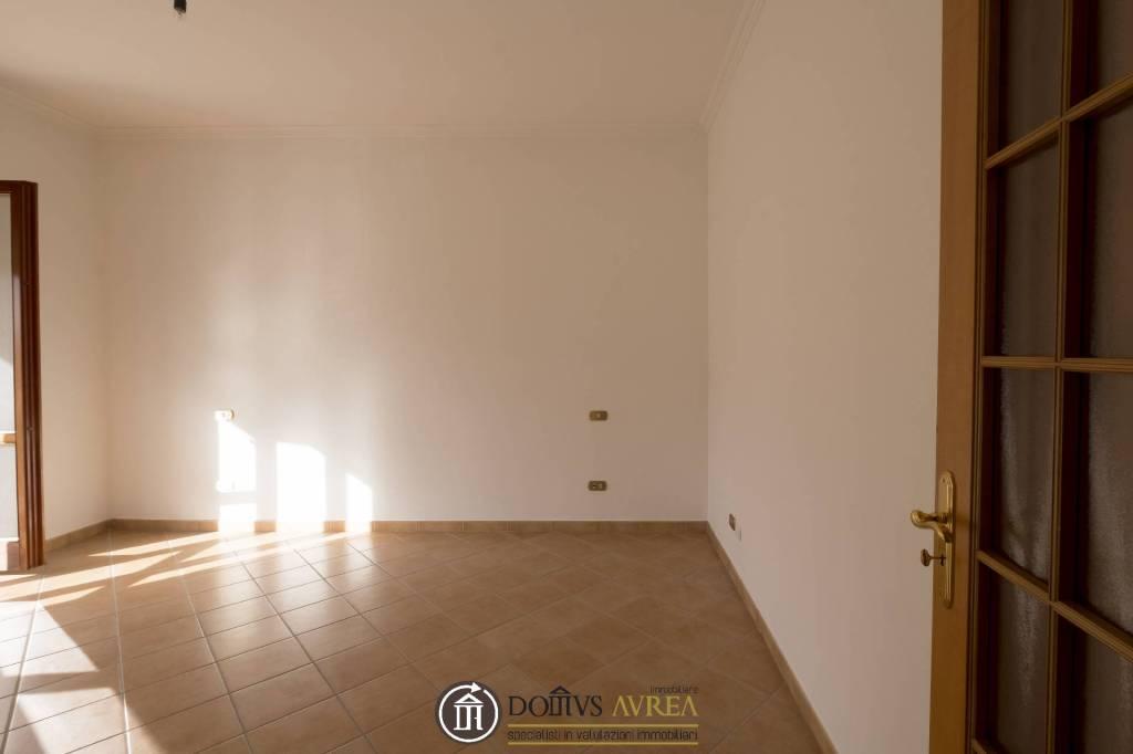 Appartamento in ottime condizioni in vendita Rif. 9182648