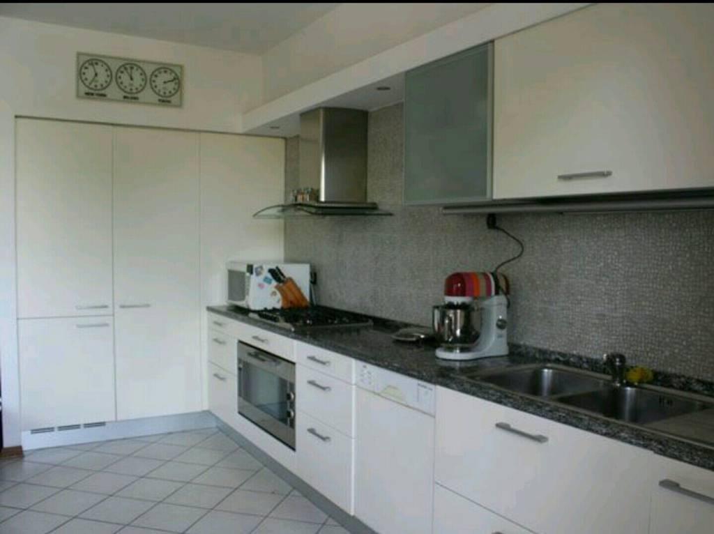 Appartamento in buone condizioni in vendita Rif. 9177366