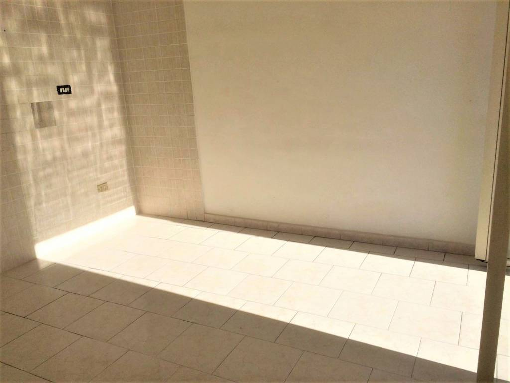 Appartamento in buone condizioni in affitto Rif. 9181736