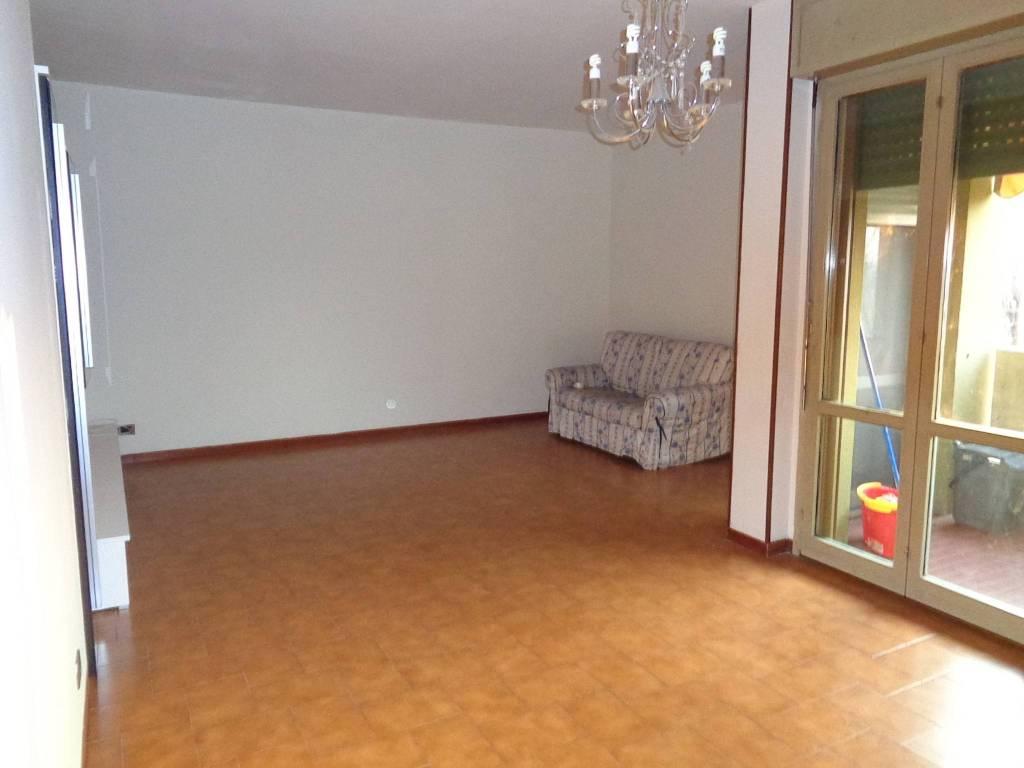 Appartamento in Affitto a Correggio Semicentro: 5 locali, 95 mq