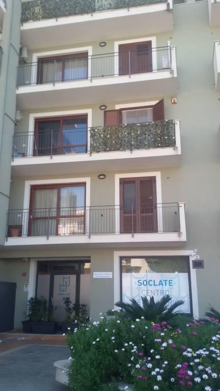 Appartamento in ottime condizioni in vendita Rif. 9182507