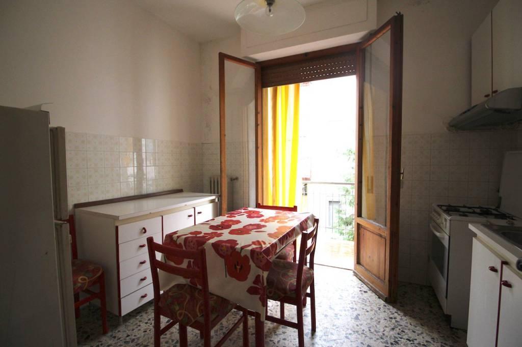 Appartamento in buone condizioni in vendita Rif. 9180777