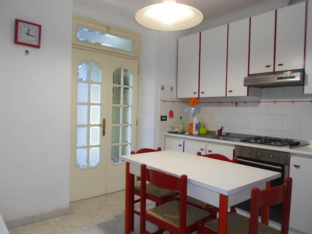 Appartamento in buone condizioni arredato in affitto Rif. 9177693