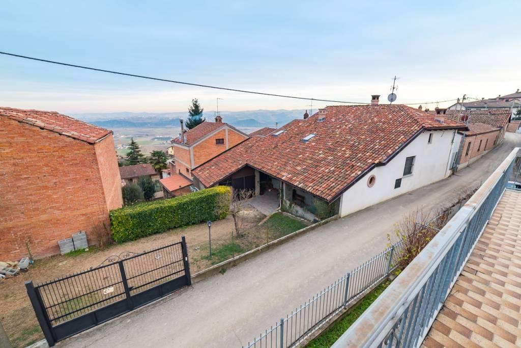 Foto 1 di Casa indipendente via Santo Stefano 13, Guarene