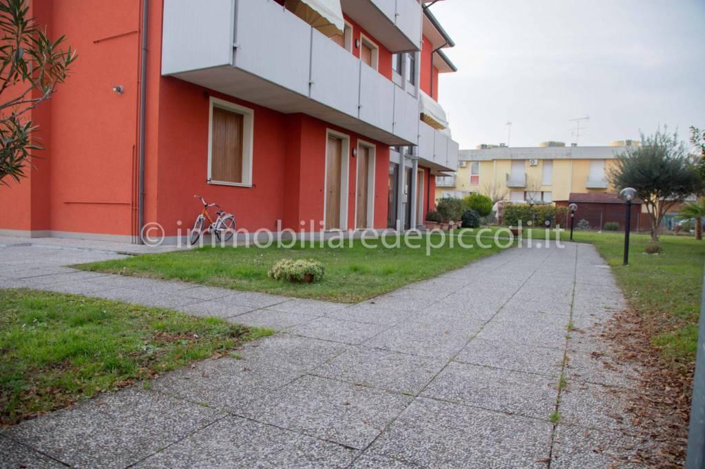 Appartamento in buone condizioni arredato in vendita Rif. 9178425