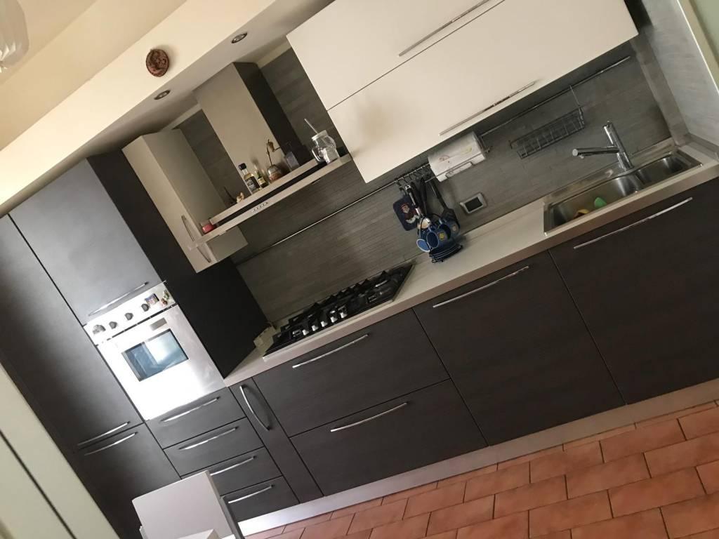 Appartamento in ottime condizioni parzialmente arredato in affitto Rif. 9182704