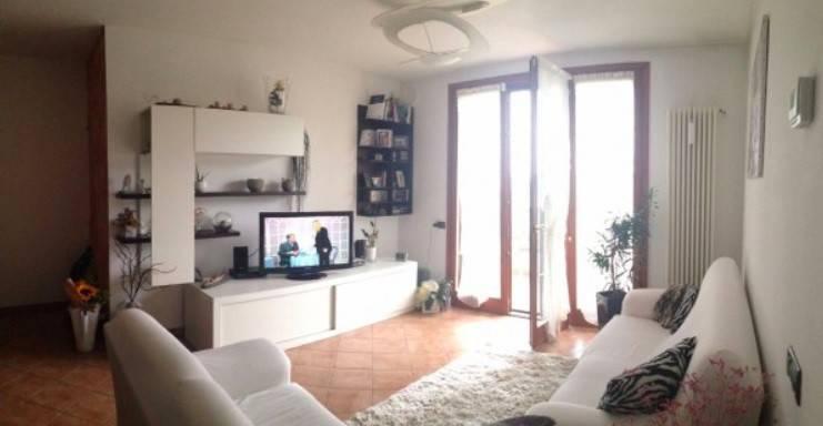 Appartamento in buone condizioni in vendita Rif. 9178213