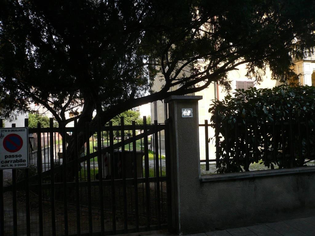 Appartamento in buone condizioni in affitto Rif. 9174557