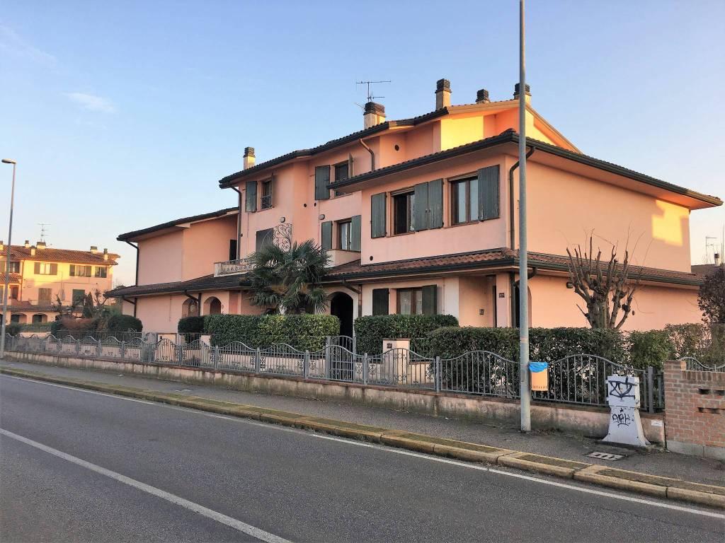 Appartamento in buone condizioni in vendita Rif. 9192714