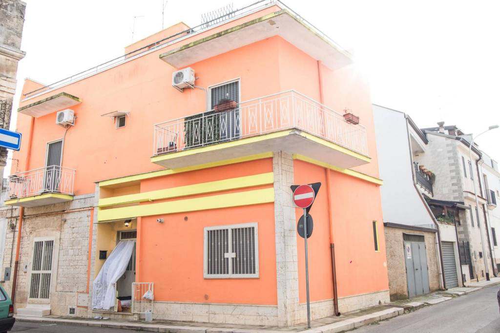 Casa Indipendente in buone condizioni in vendita Rif. 9177296