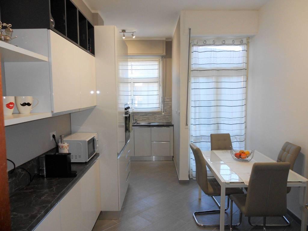 Appartamento in buone condizioni parzialmente arredato in vendita Rif. 9177451