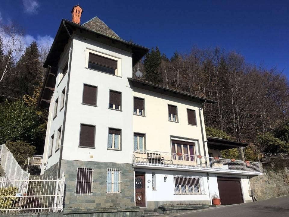 Villa in ottime condizioni in vendita Rif. 9178103