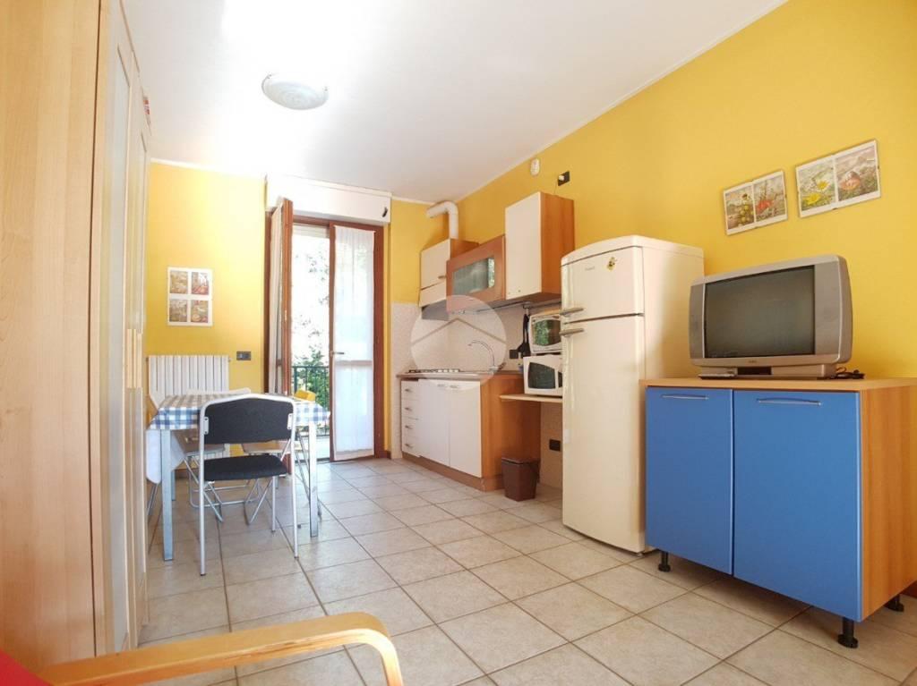 Appartamento in ottime condizioni in affitto Rif. 9319781