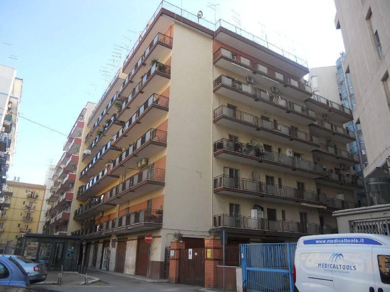via Terni - ristrutturato 4 vani + acc. con p.auto