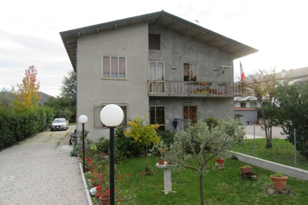 Appartamento in buone condizioni in vendita Rif. 8778109