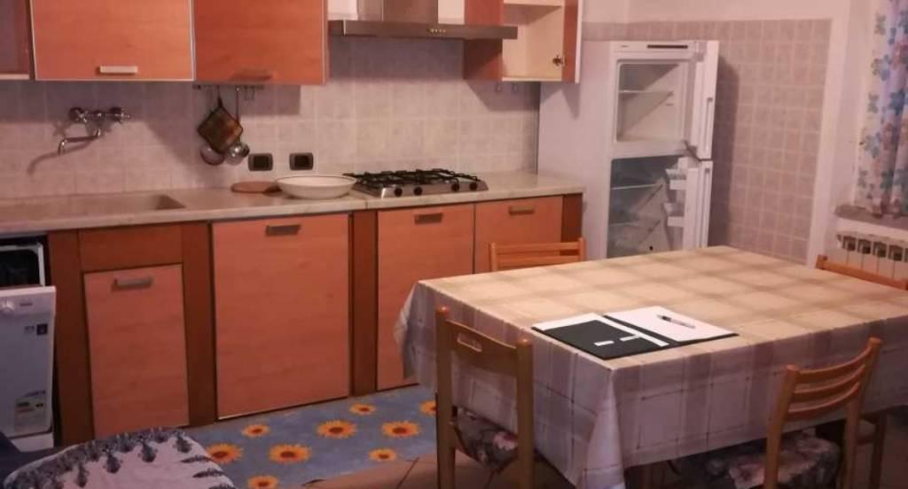 Appartamento in buone condizioni in vendita Rif. 9191727