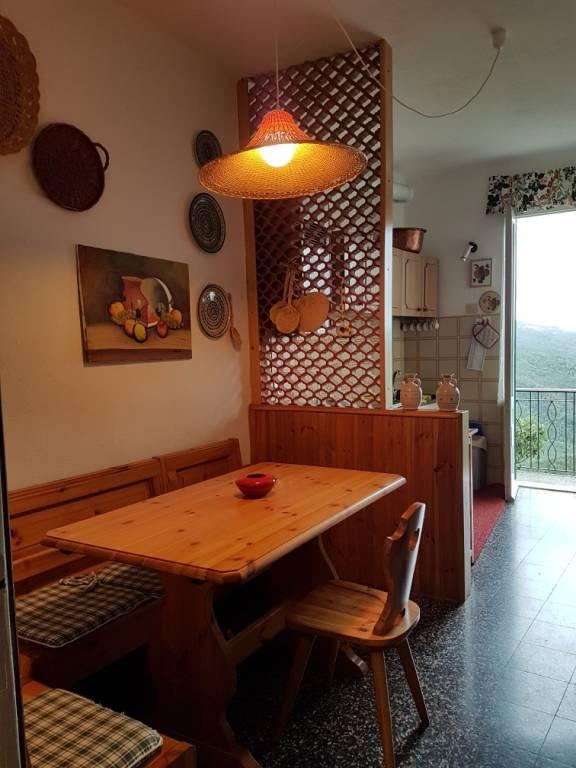 Appartamento in buone condizioni arredato in vendita Rif. 9192957