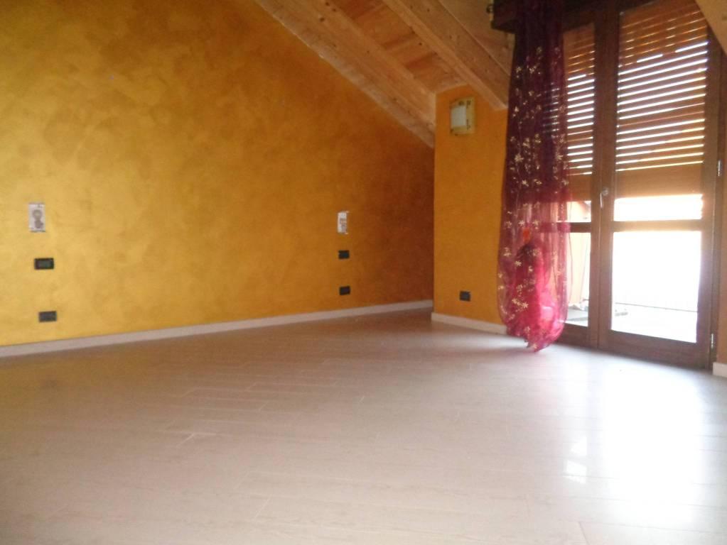 Appartamento in ottime condizioni in vendita Rif. 9195118