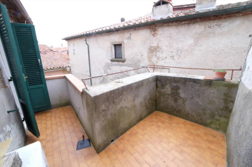 MASSA MARITTIMA (GR):appartamentino perfetto con terrazza