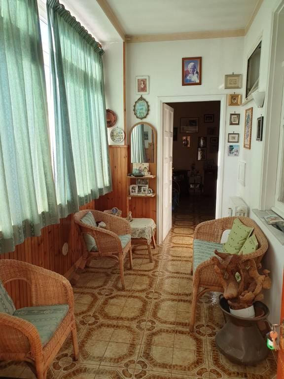 Appartamento in buone condizioni in vendita Rif. 9193401