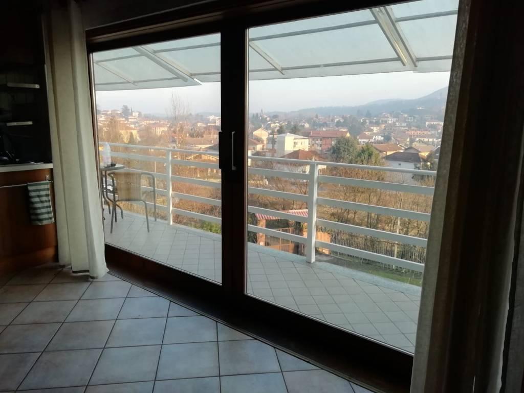 Appartamento in ottime condizioni arredato in affitto Rif. 9196697