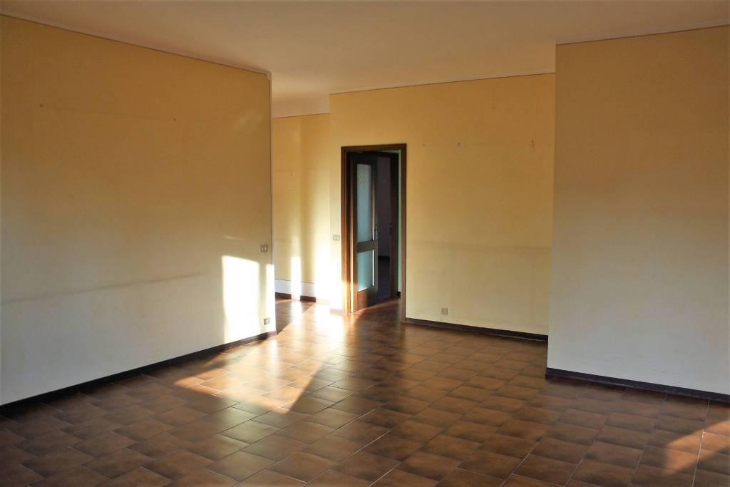 Appartamento in buone condizioni in vendita Rif. 9191565