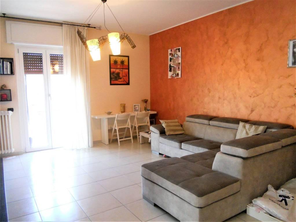 Appartamento in ottime condizioni in vendita Rif. 9195392