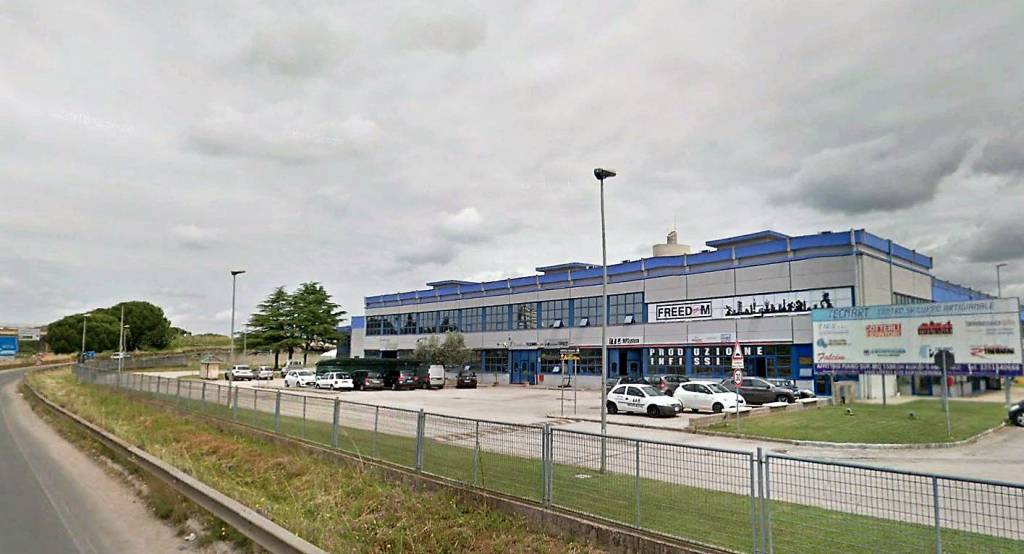 Magazzino - capannone in affitto Rif. 9194456
