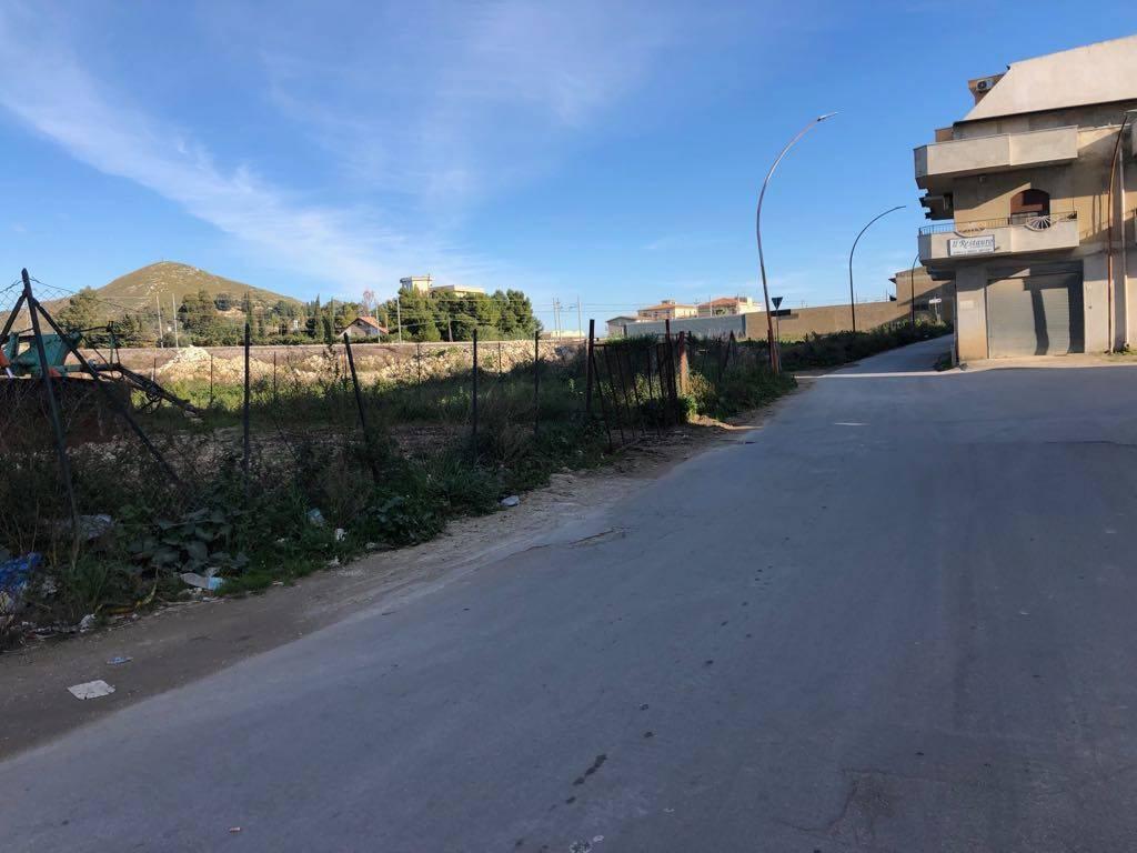 Vendesi lotto edificabile uscita per Caltanissetta