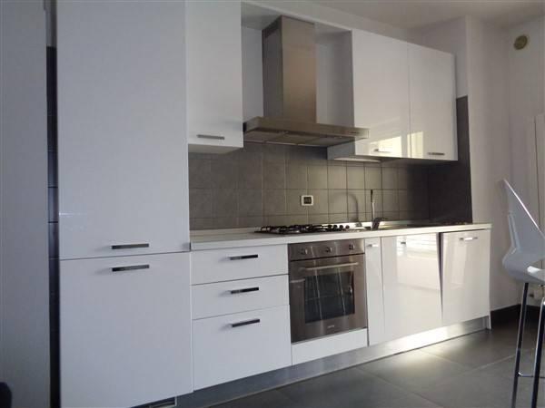 Appartamento in ottime condizioni arredato in affitto Rif. 9196904