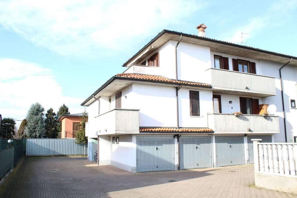 Attico / Mansarda in vendita a Misano di Gera d'Adda, 3 locali, prezzo € 85.000   PortaleAgenzieImmobiliari.it
