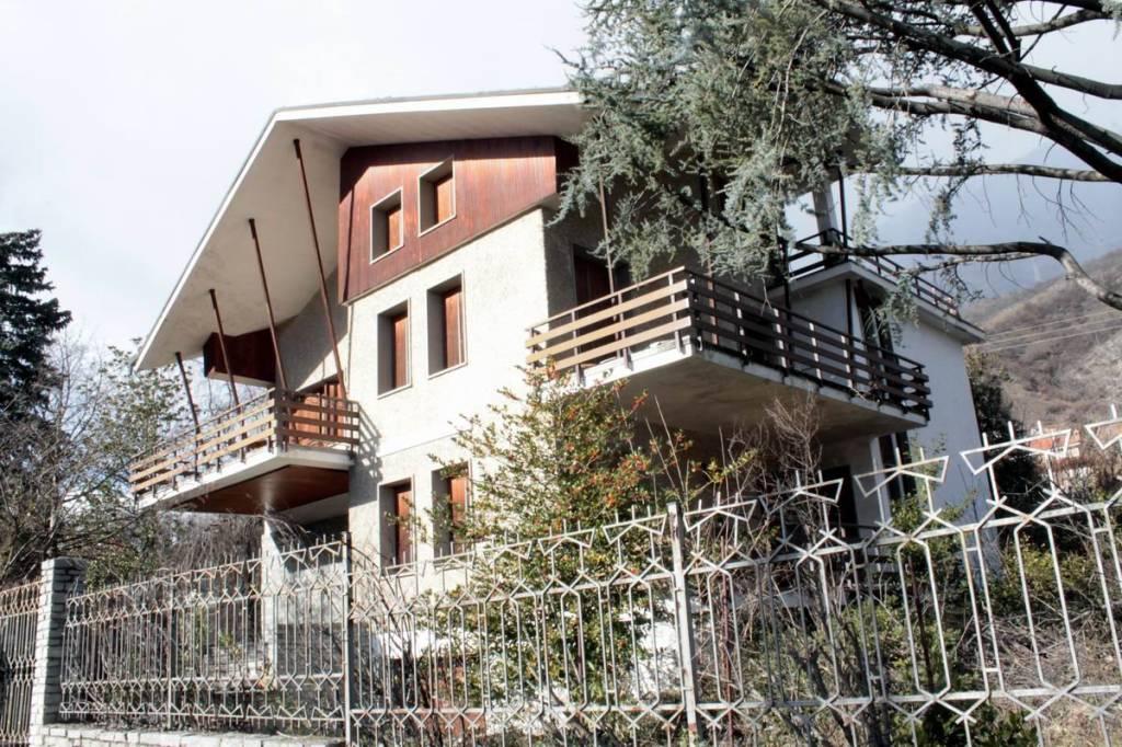 Villa da ristrutturare in vendita Rif. 9193060
