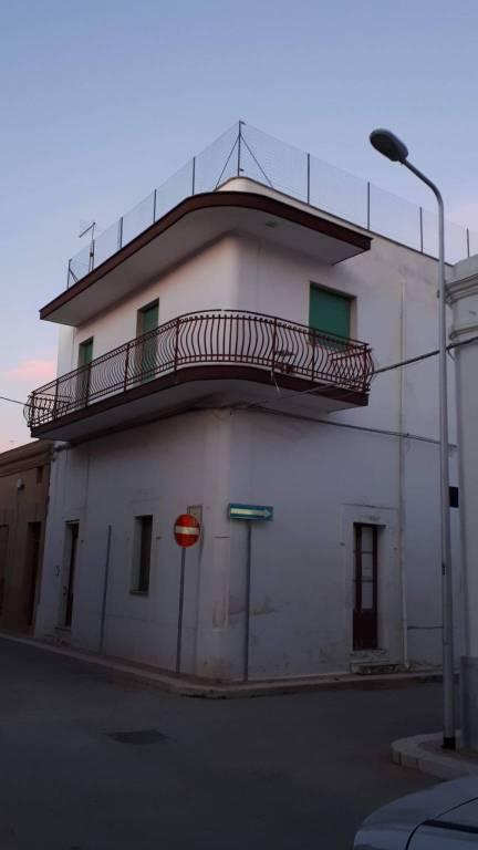 Appartamento in vendita a Leporano, 3 locali, prezzo € 35.000   CambioCasa.it