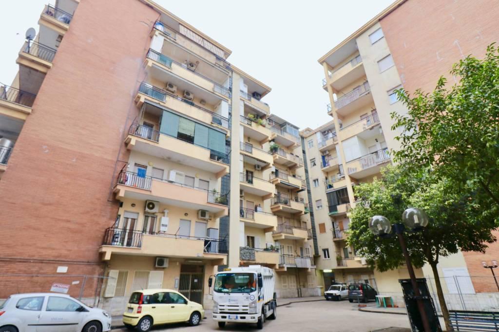 Appartamento in ottime condizioni in vendita Rif. 9191498