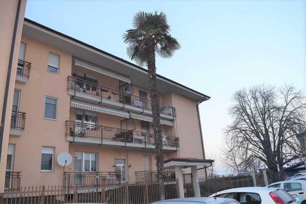 Foto 1 di Appartamento largo Marconi 5, Costigliole Saluzzo