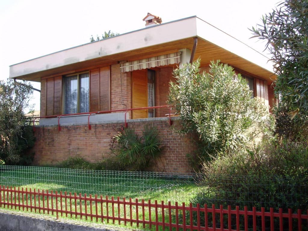 Villa in buone condizioni arredato in vendita Rif. 9194296