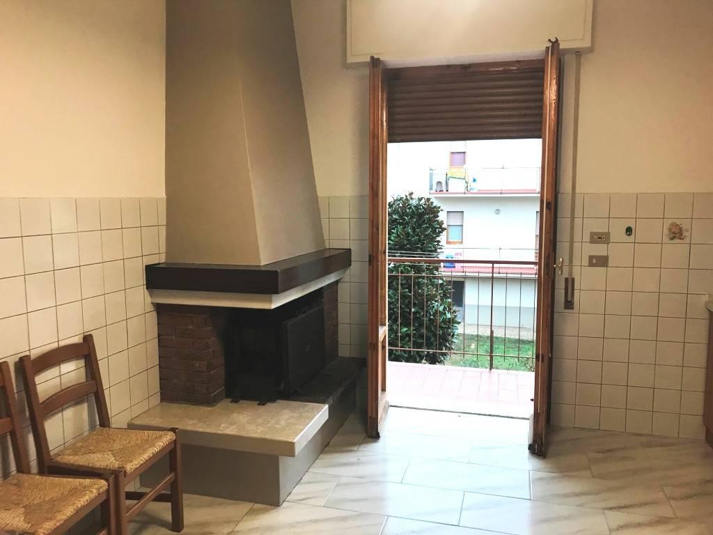 Appartamento in buone condizioni in vendita Rif. 9194593