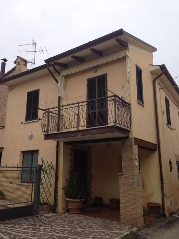 Appartamento 5 locali in vendita a Montefalco (PG)