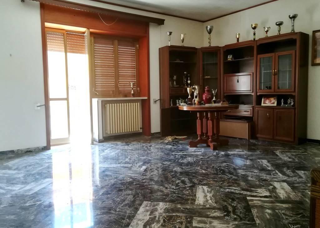 Villa da ristrutturare in vendita Rif. 9193211