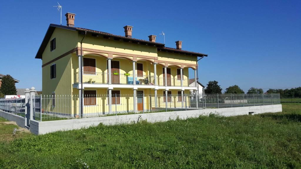 Villa in affitto a Poirino, 5 locali, prezzo € 650 | CambioCasa.it