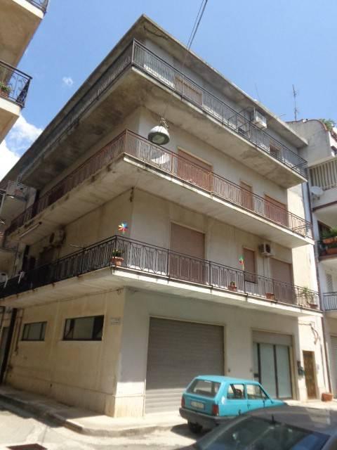 Appartamento in ottime condizioni in vendita Rif. 9240270