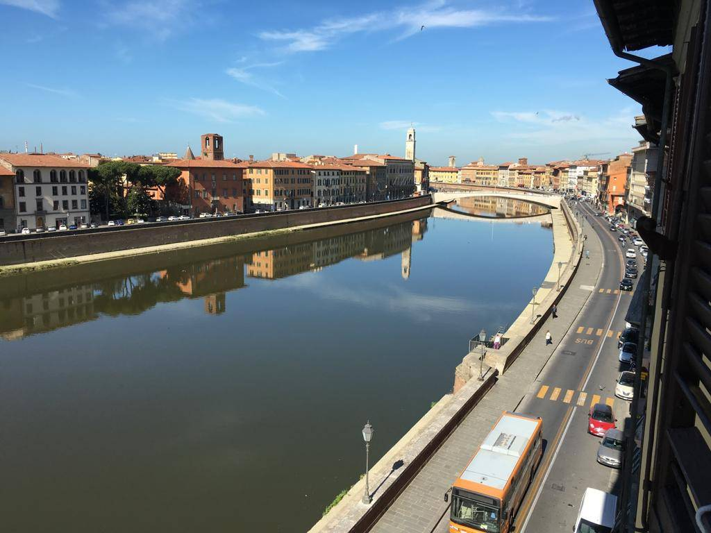 Attivita'-licenza in Vendita a Pisa Centro: 15 mq