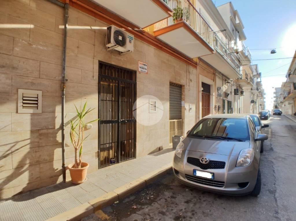 Appartamento in buone condizioni in vendita Rif. 9307787