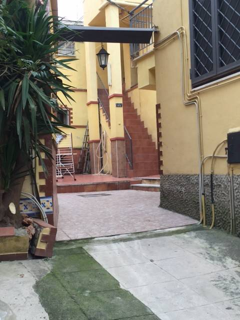 Appartamento in buone condizioni parzialmente arredato in affitto Rif. 9192962