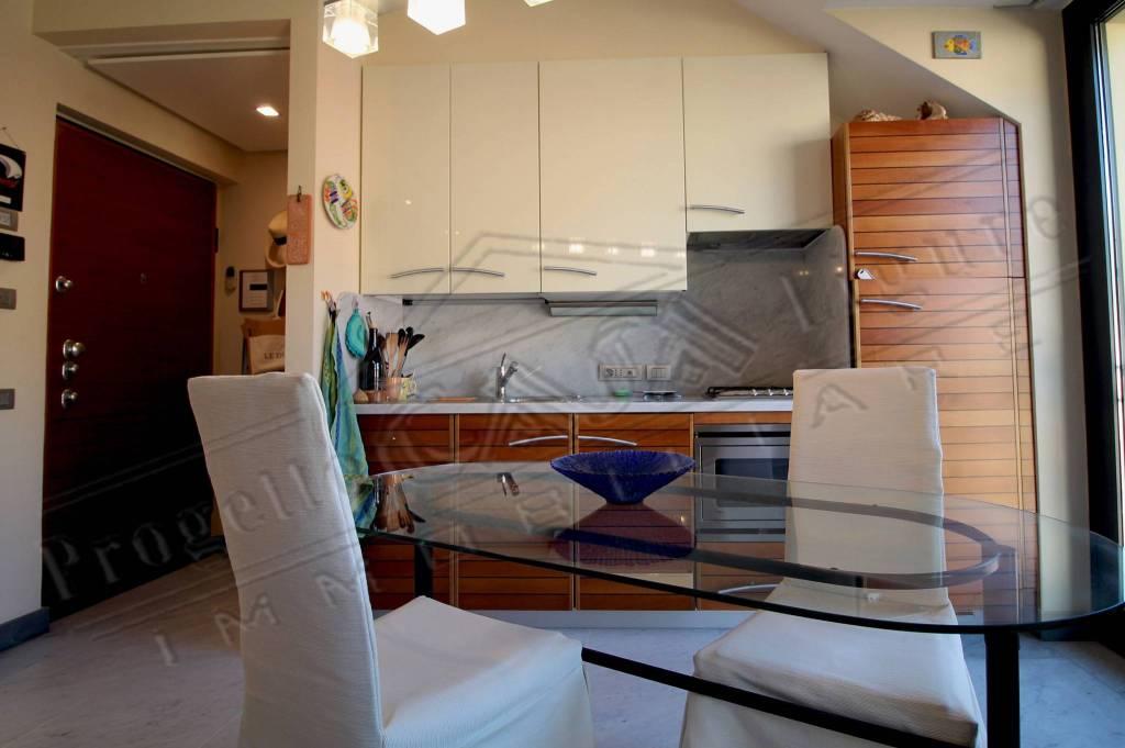 Appartamento in ottime condizioni arredato in vendita Rif. 9191497