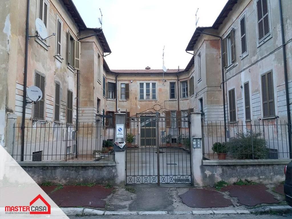 Appartamento in ottime condizioni arredato in affitto Rif. 9198331